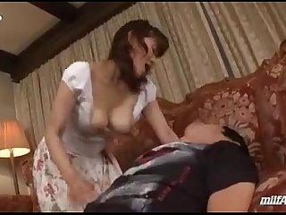 Milf Giving Blowjob For Young Guy Cum To Mouth Spitting Semen To Palm On The Car