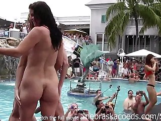 girls eating pussy and getting totally naked at wild pool party