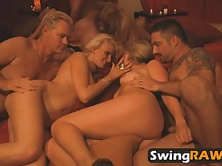 swingraw-27-9-216-playboytv-swing-season-1-ep-3-michael-and-kimberly-1