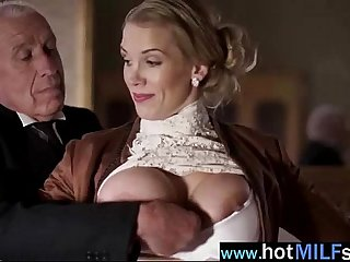 Mature Lady Ride Huge Cock Like A Star On Cam vid-21